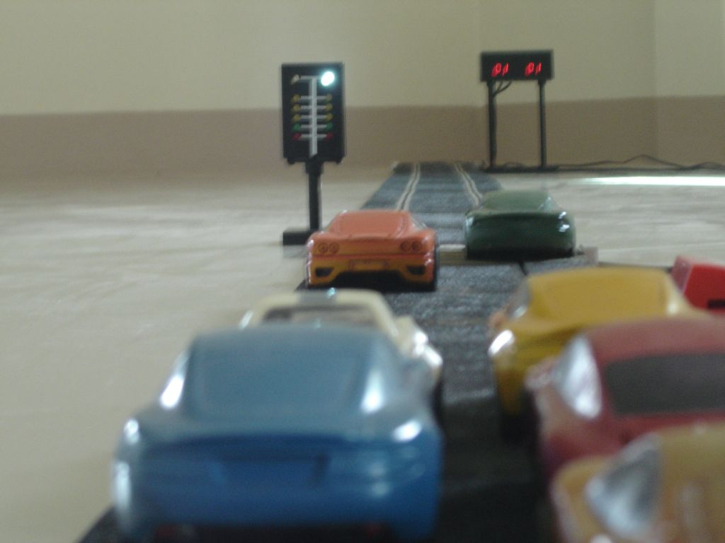 Slot-car-drag-racing.jpg