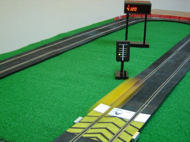 Slot.Car.Singles.Mode.jpg
