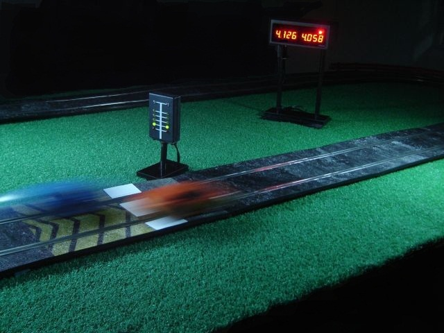 precision-slot-car-racing.jpg